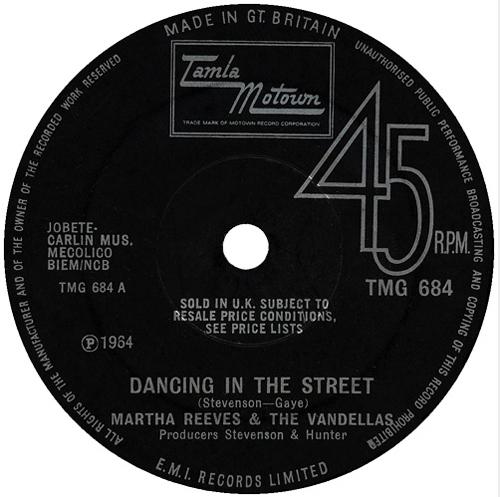 Martha Reeves - 'Dancing In The Street'