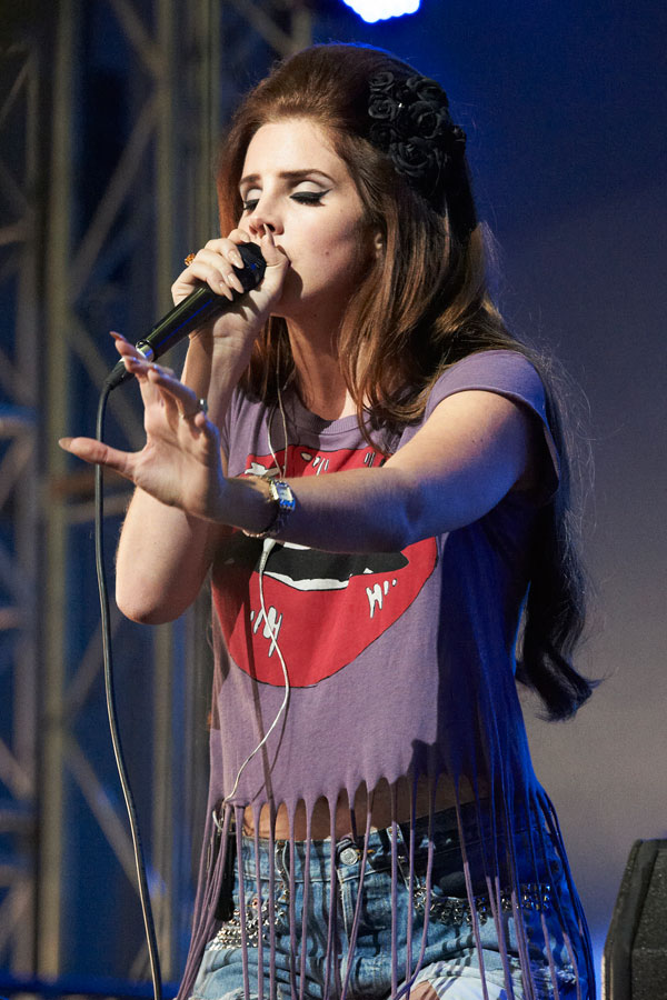 Lana Del Rey Unveils New Video For National Anthem Featuring A Ap Rocky Watch Nme