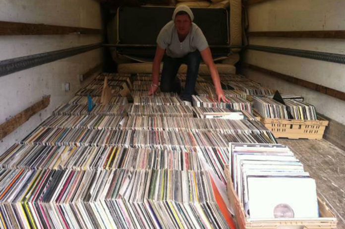 Former Hacienda Dj Selling Entire 8 000 Strong Vinyl Record Collection Nme