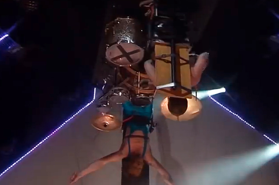 Estonia's upside down drummer