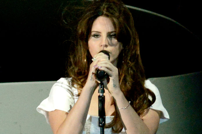 Lana Del Rey Performs Honeymoon High By The Beach And Terrence Loves You On Radio 1 Listen Nme