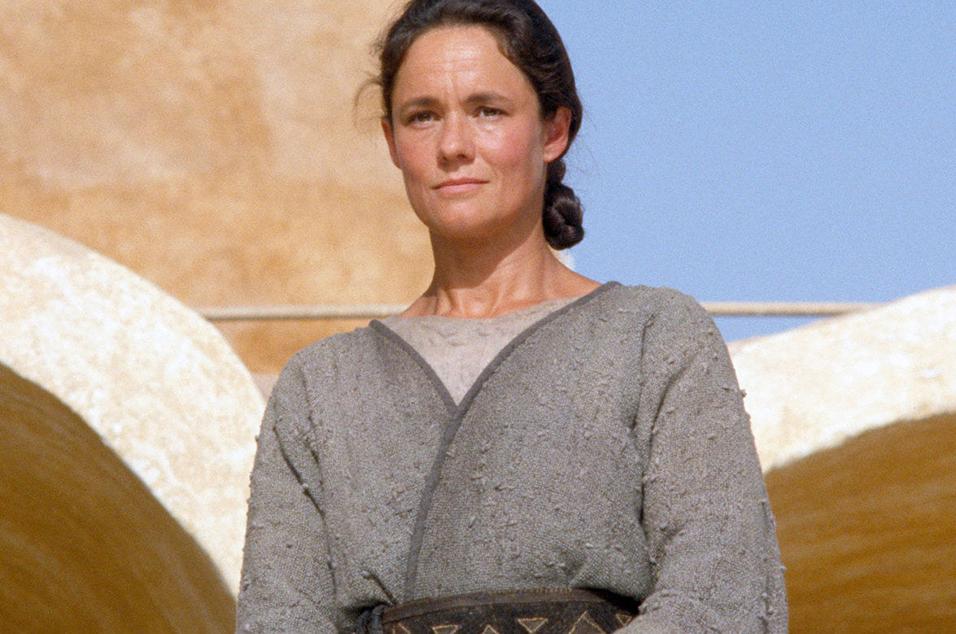 Pernilla August - Shmi Skywalker: