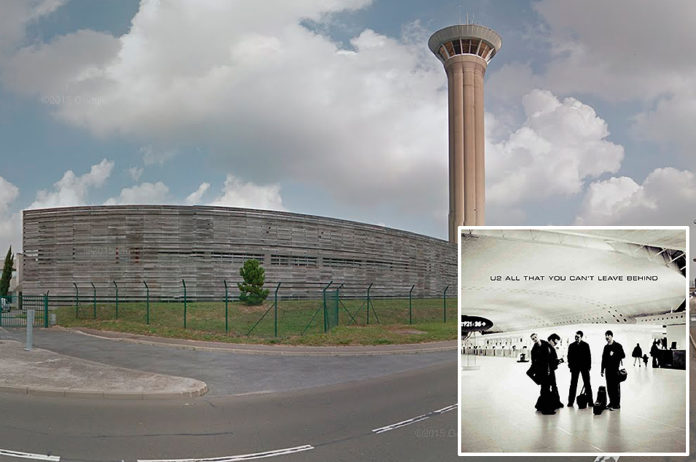 U2, 'All That You Can't Leave Behind' - Roissy Hall 2F, Charles de Gaulle Airport, Paris