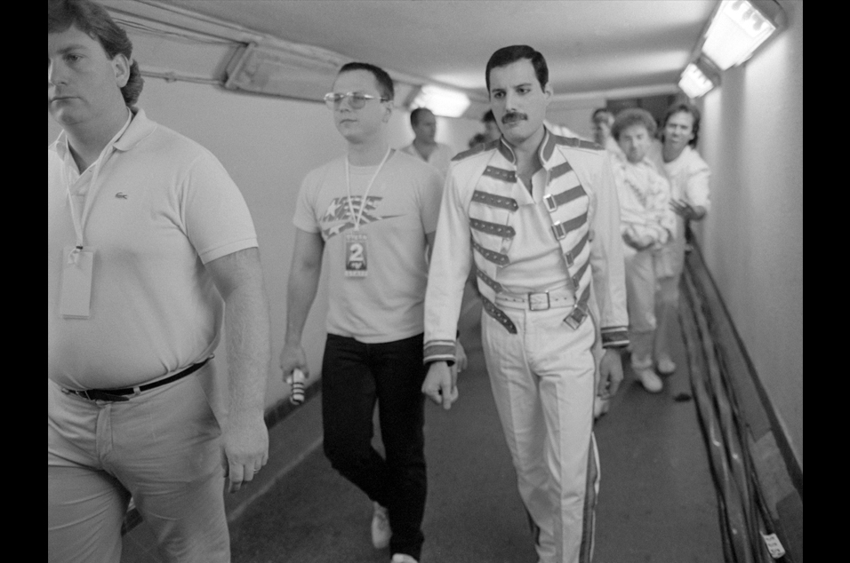 photographer richard young shares exclusive shots of freddie mercury to honour his 70th birthday nme photographer richard young shares