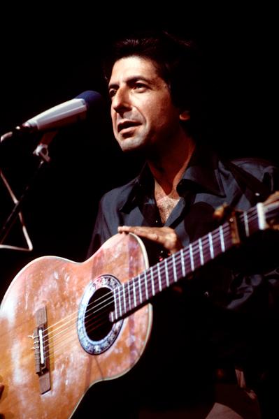 Leonard Cohen – 'Famous Blue Raincoat'