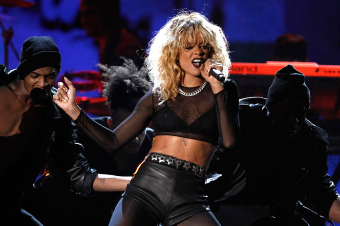 Fabulous Rihannas Birthday Cake Remix Featuring Chris Brown Emerges Funny Birthday Cards Online Inifofree Goldxyz