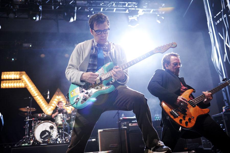 Weezer – 'Surf Wax America'