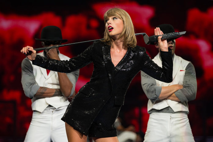 Taylor Swift Joined By Wiz Khalifa As She Sings See You Again At Texas Gig Watch Nme