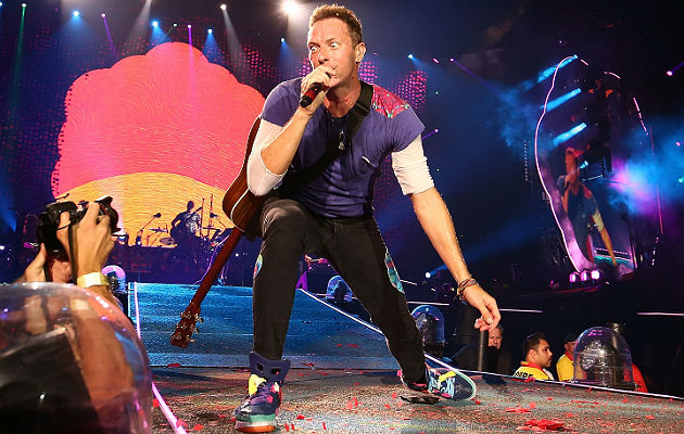 Watch Coldplay Perform New Christmas Song Christmas With The Kangaroos Nme