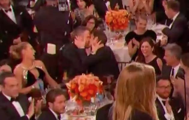 Golden Globes kiss