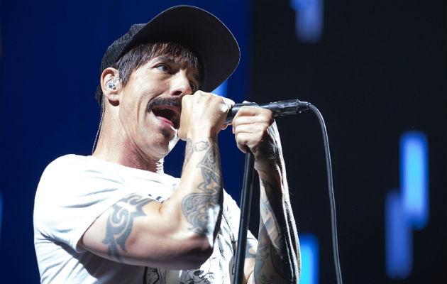 Anthony Kiedis discusses tour injury