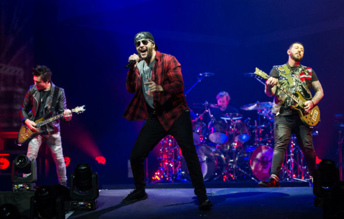 Stagehand dies after Avenged Sevenfold gig