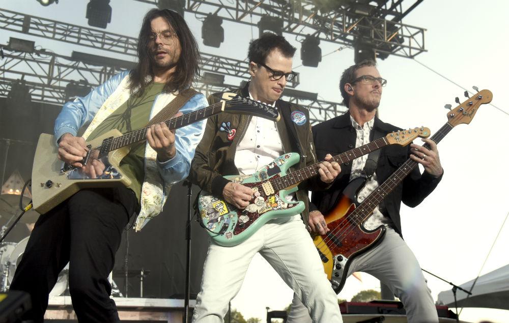 Weezer announce UK tour dates