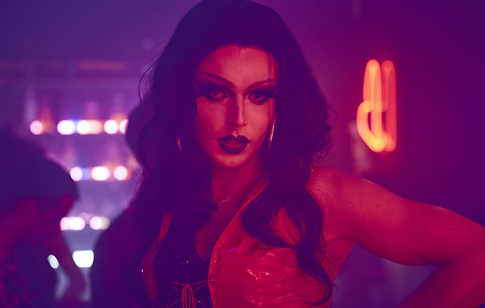 Theo Hutchcraft in drag in the video for 'Beautiful Ones'