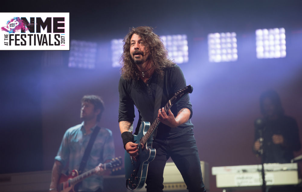 foo fighters glastonbury dave grohl
