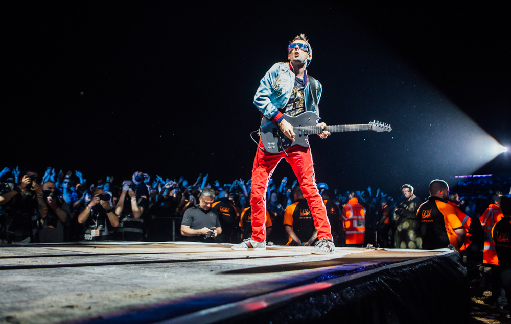 Here's Muse's Matt Bellamy at Leeds Festival 2017 - doing what he does best