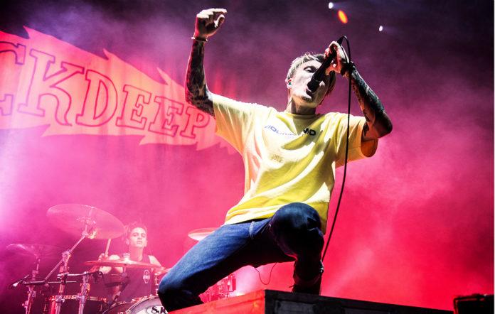Neck Deep live