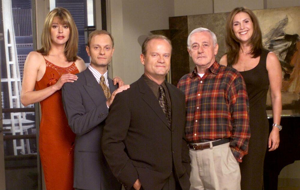 John Mahoney with the cast of Frasier