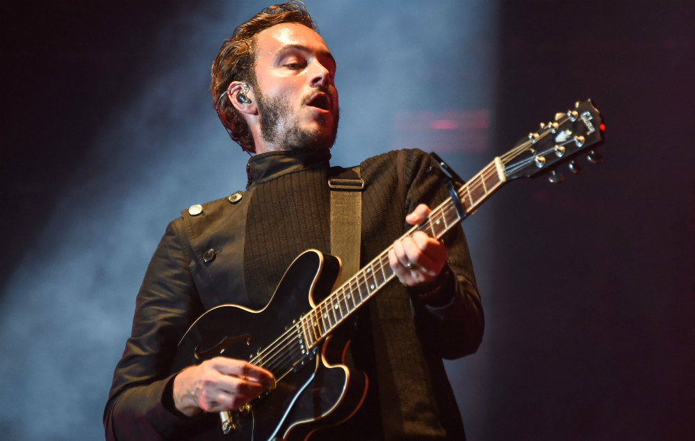 Editors' Tom Smith live