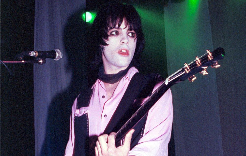 Manic Street Preachers' guitarist Richey Edwards live in 1992