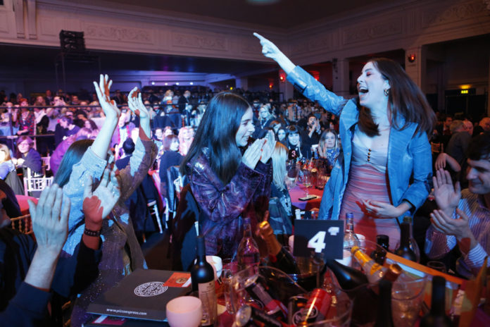 Haim, NME Awards 2018, Celebrating tables