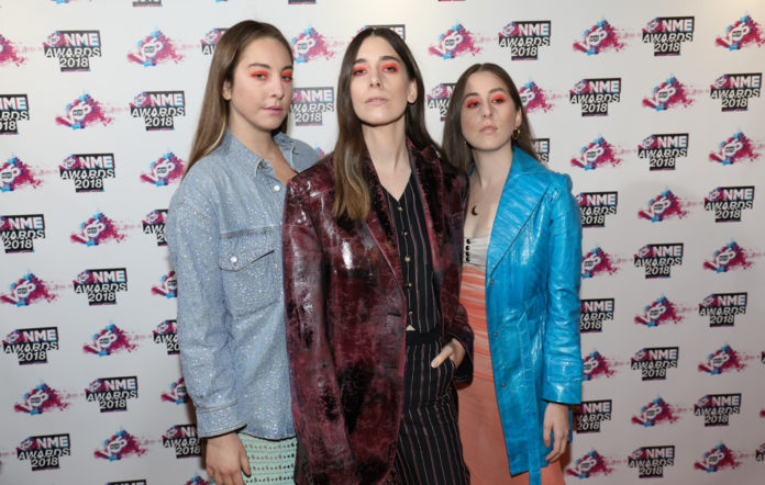 Haim, NME Awards 2018, Red Carpet