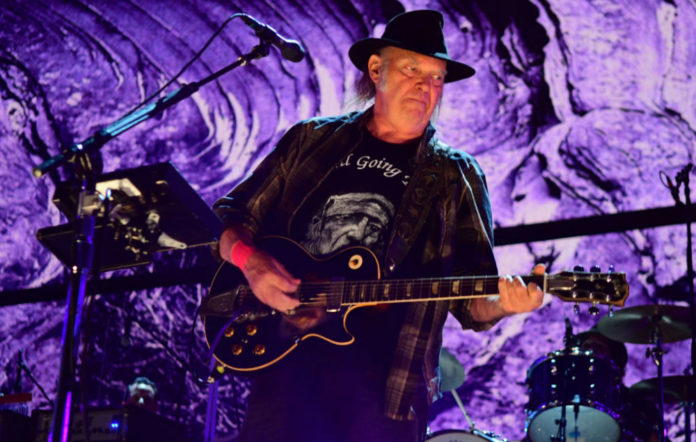 Neil Young Crazy Horse reunite