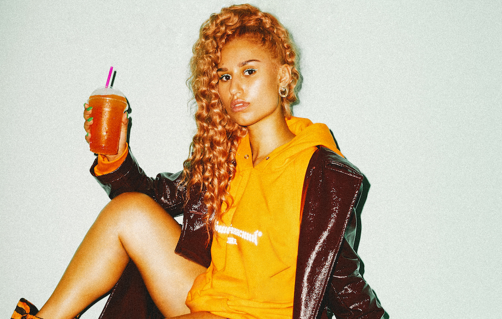 RAYE press shot
