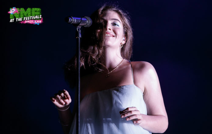 Lorde live