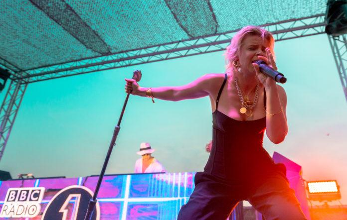 Robyn Ibiza