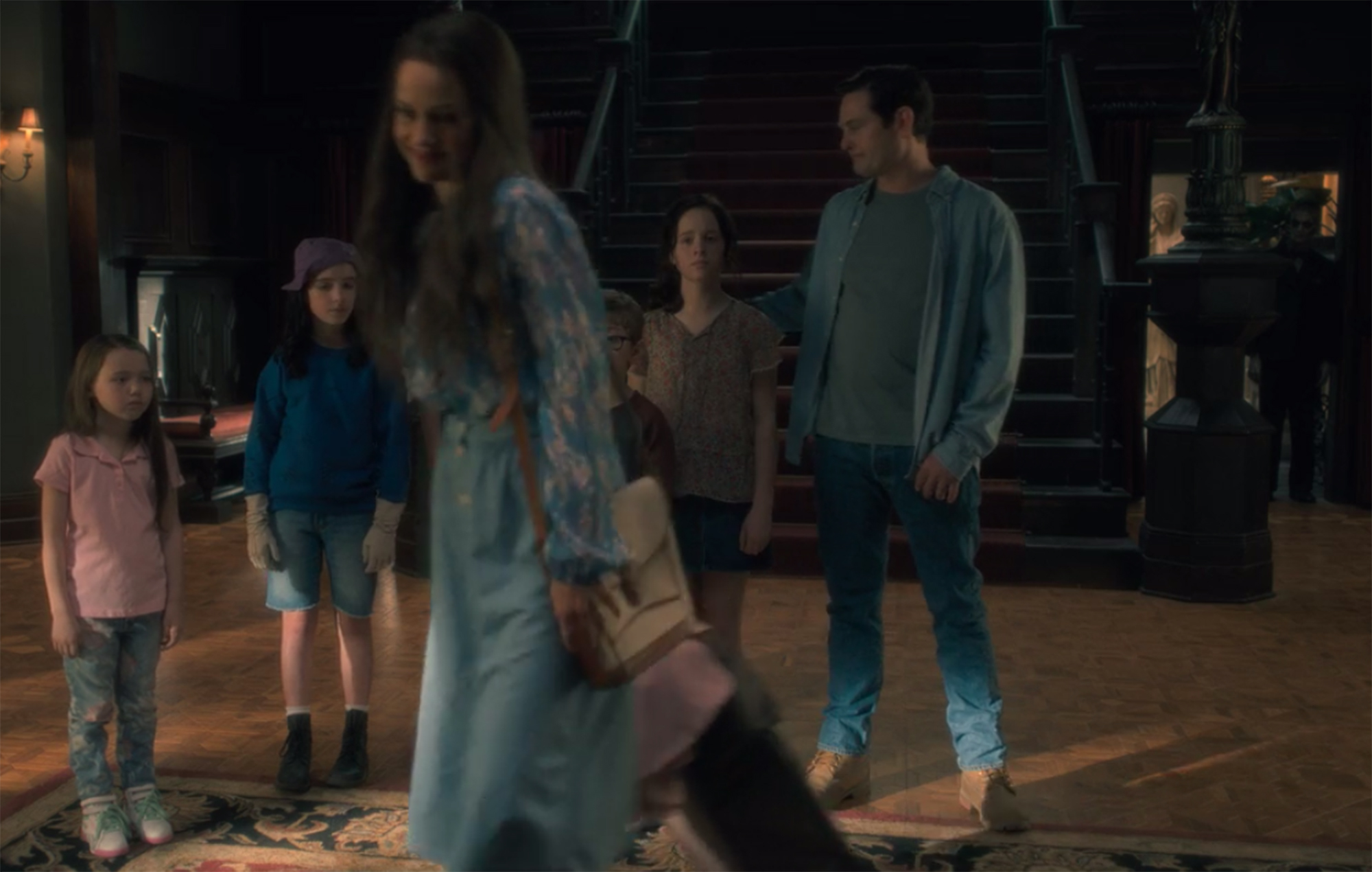 The Haunting Of Hill House 33 Secret Ghosts Hiding In The Shadows
