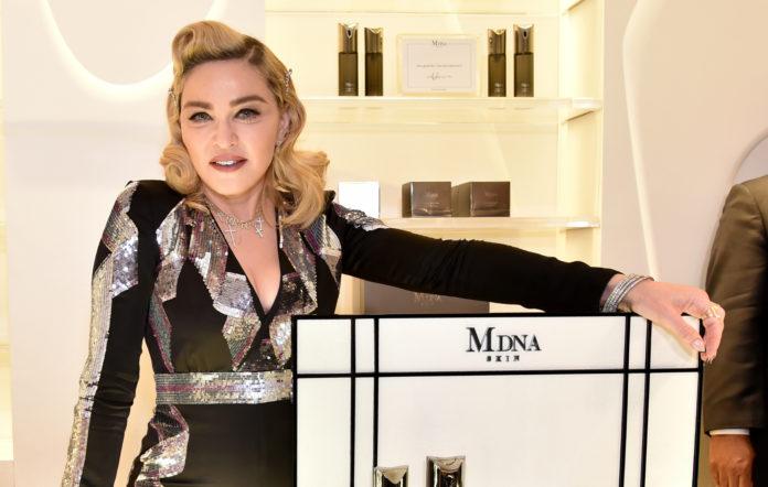 Madonna facial roller