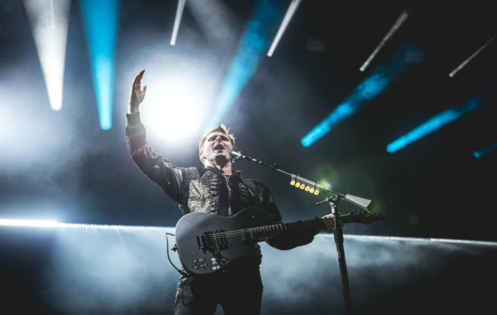 Watch Muse kick off their other-worldly 'Simulation' tour in Houston