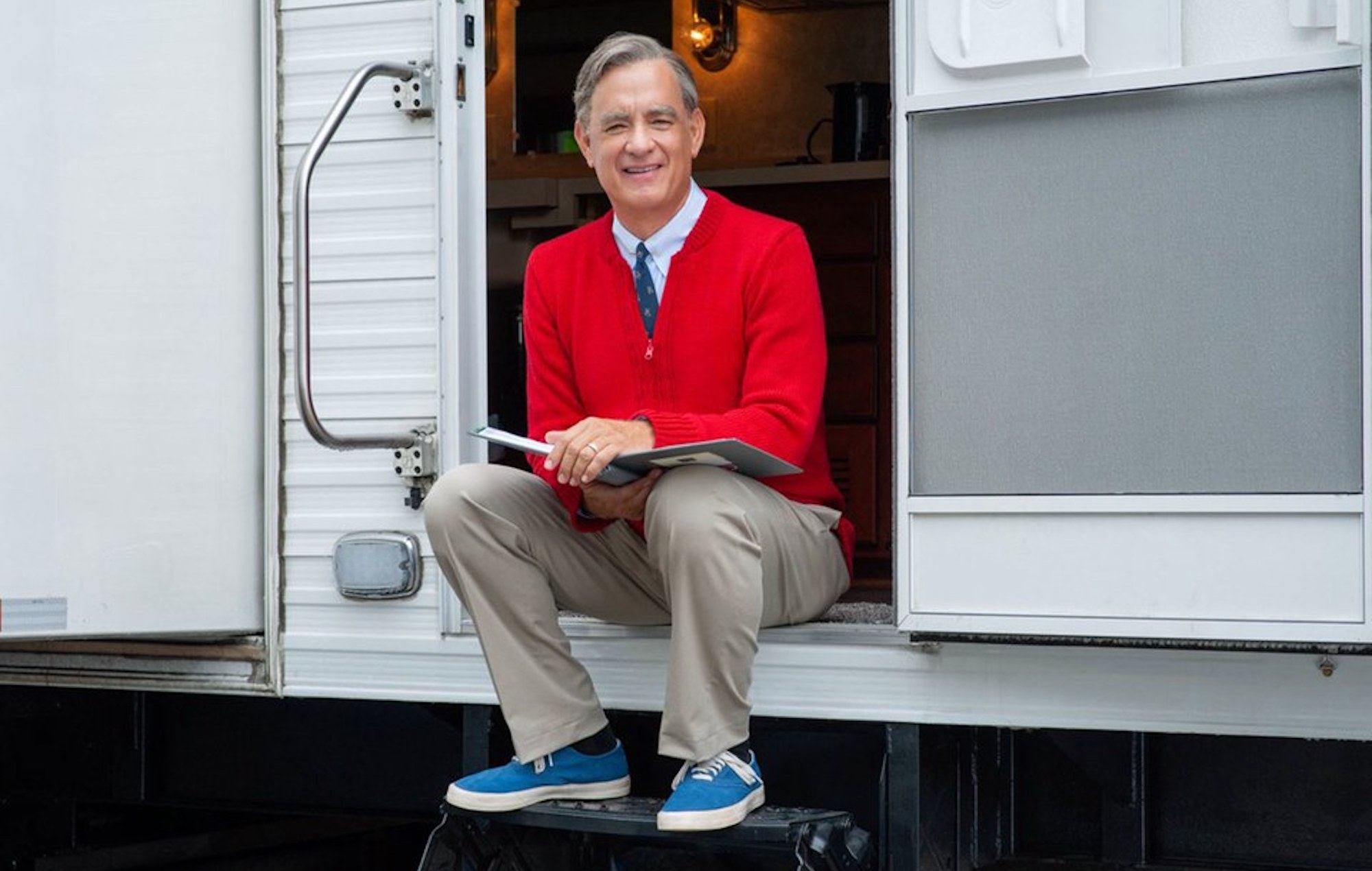 Tom Hanks Mr Rogers Movie A Beautiful Day In The Neighborhood Release Date Trailer Plot Cast And Everything We Know Nme