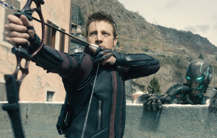HC9CG0 AVENGERS: AGE OF ULTRON, Jeremy Renner (as Hawkeye), 2015. ©Walt Disney Pictures/courtesy Everett Collection