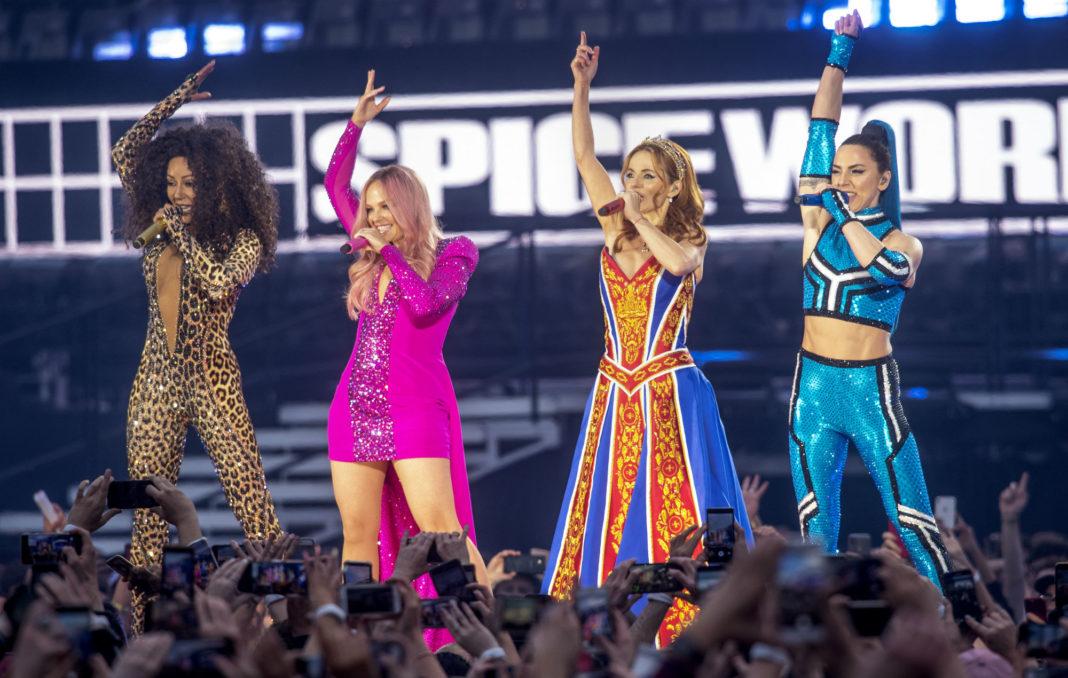 Spice Girls live