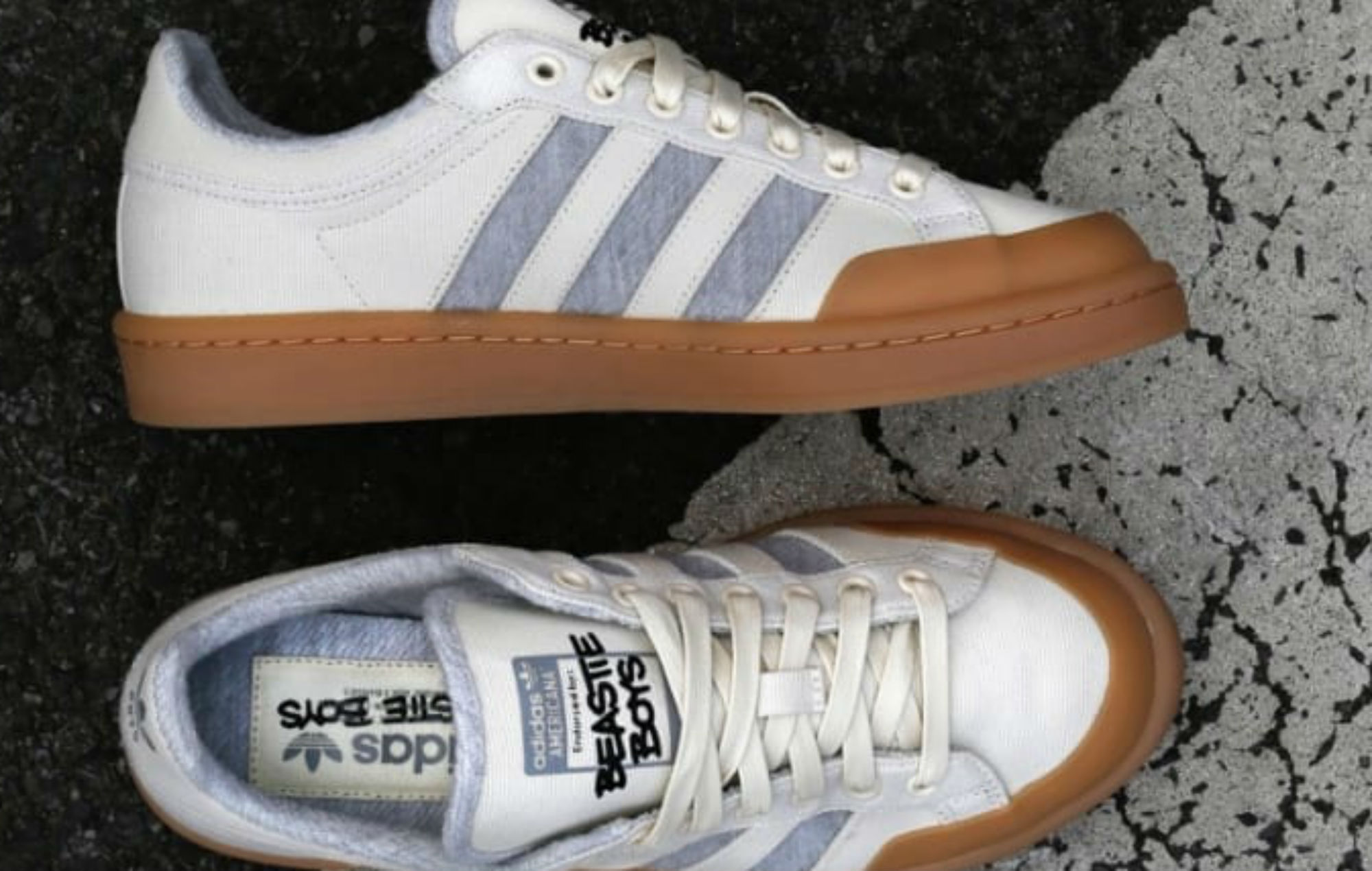 boys adidas slip on sneakers