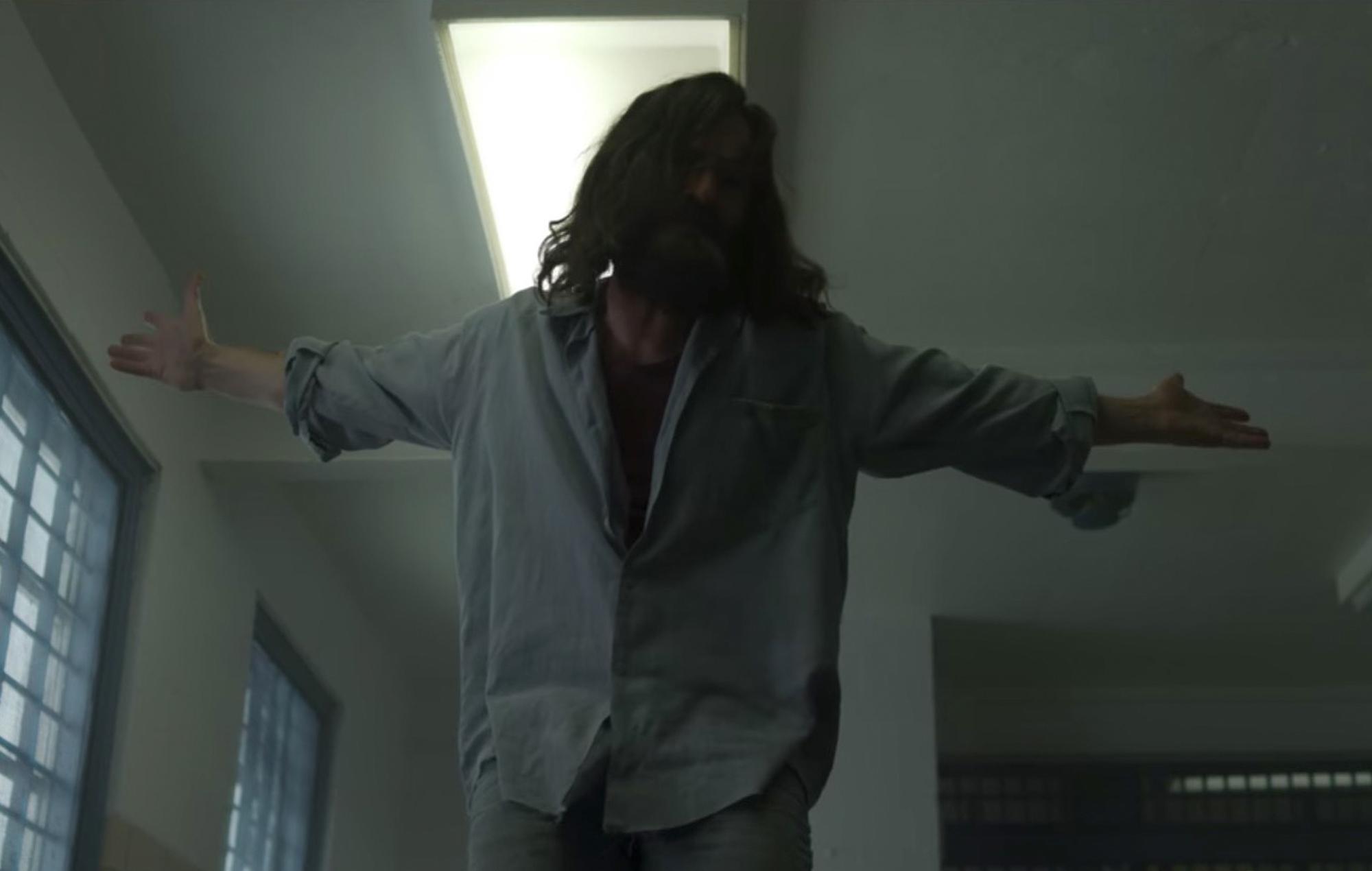 Mindhunter season 2 episode 5 Charles Manson Damon Herriman actor