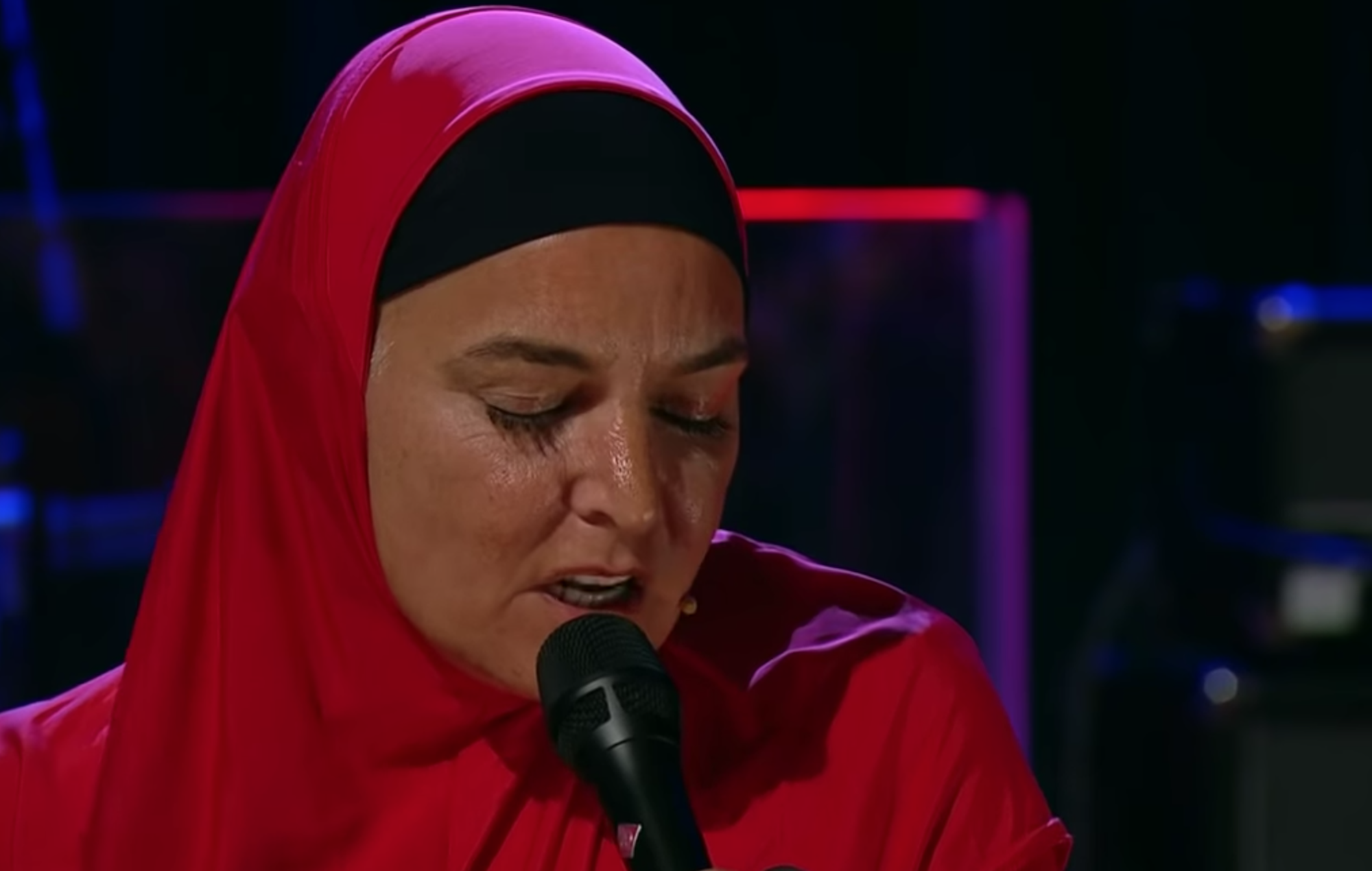 Watch Sinead O Connor Return To The Stage And Cover The Pogues On Ireland S Late Late Show