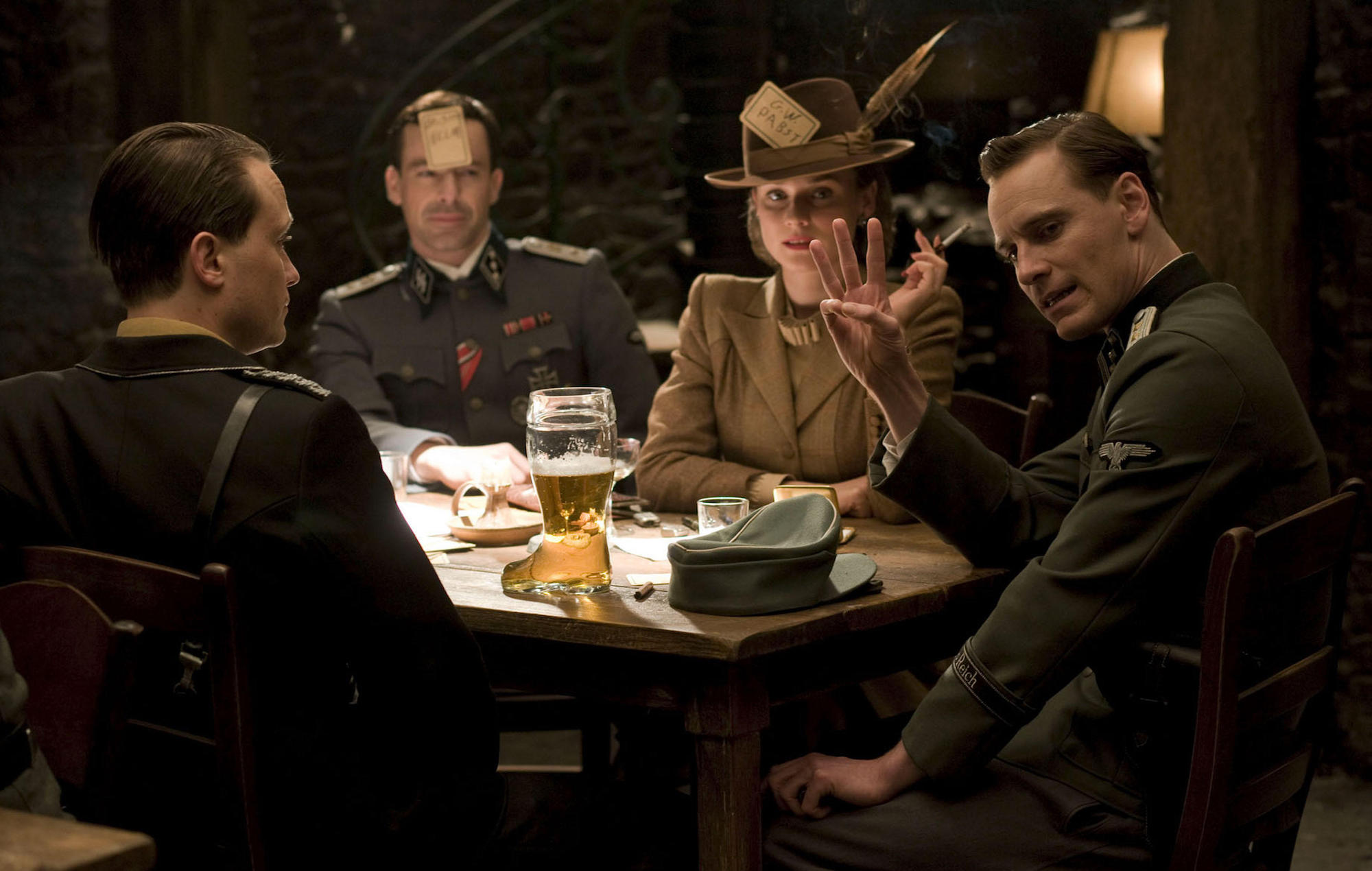 Quentin Tarantino fired an 'Inglourious Basterds' extra for not ...