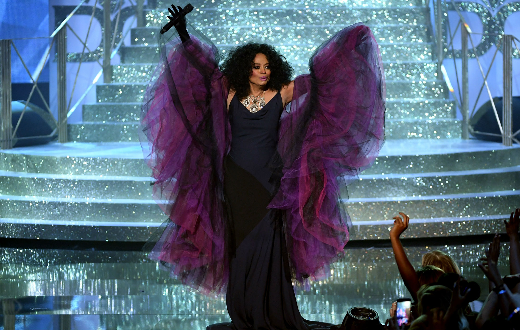 diana ross confirmed for legends slot at glastonbury 2020 legends slot at glastonbury 2020