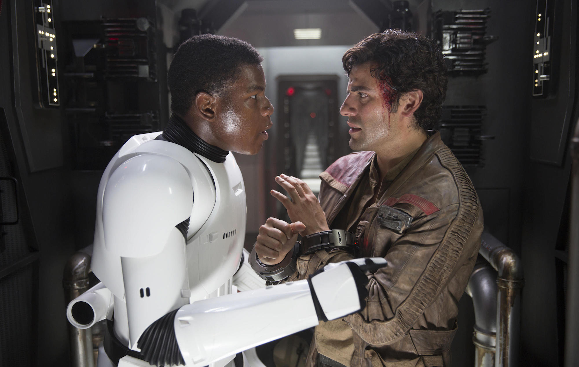 Oscar Isaac Confirms Finn And Poe Are Not Boyfriends In Star Wars The Rise Of Skywalker