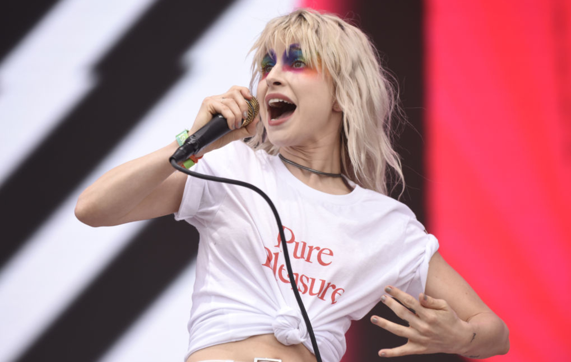Paramore's Hayley Williams says she's releasing solo material in 2020 - EpicNews