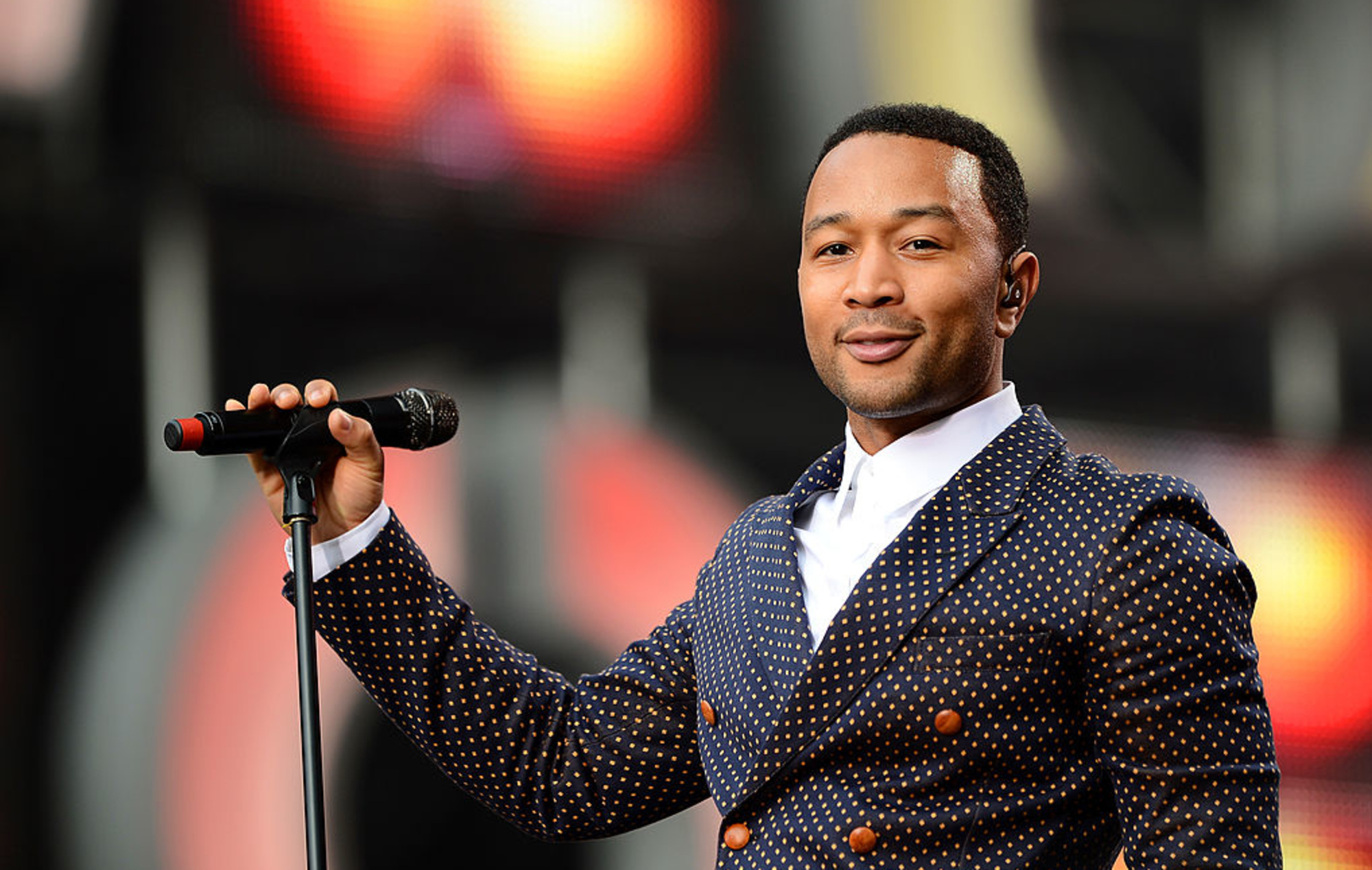 John Legend celebrates 15th anniversary of debut album on same day as his 41st birthday - EpicNews