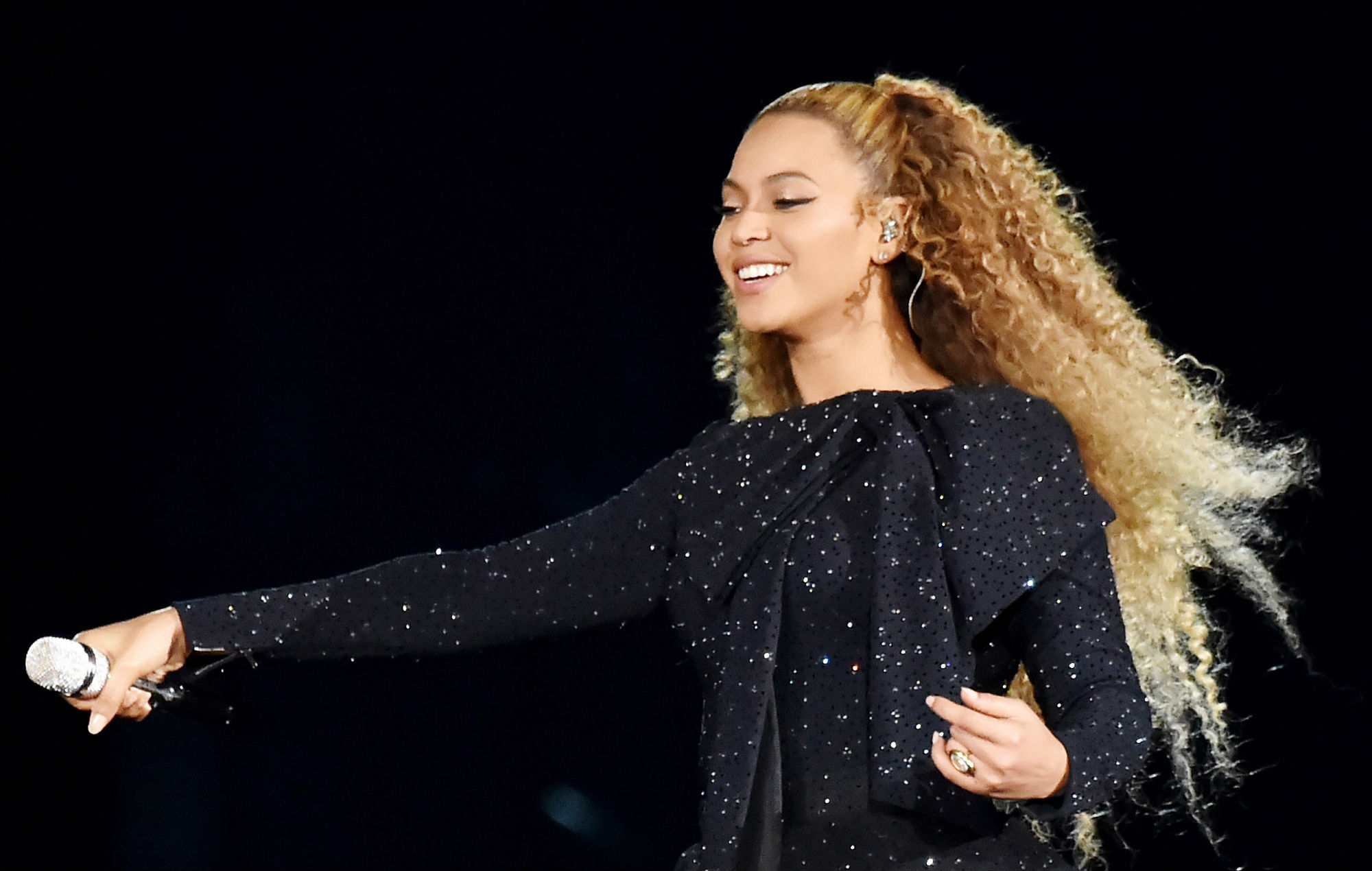 Beyonce performs live in Cardiff in 2018