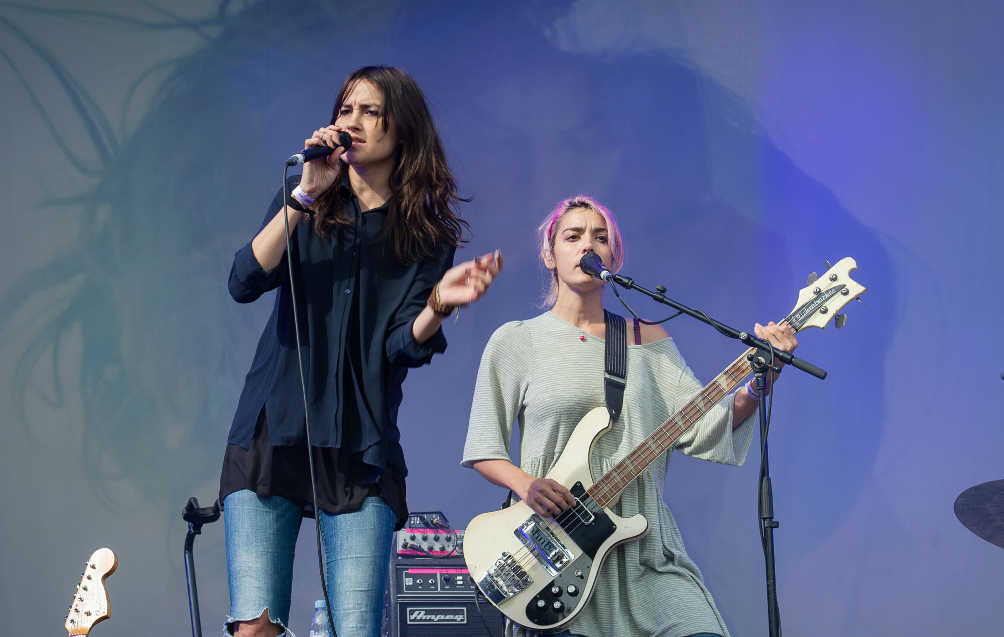 Theresa Wayman and Jenny Lee Lindberg from Warpaint perform at Rock en Seine Festival (2014)