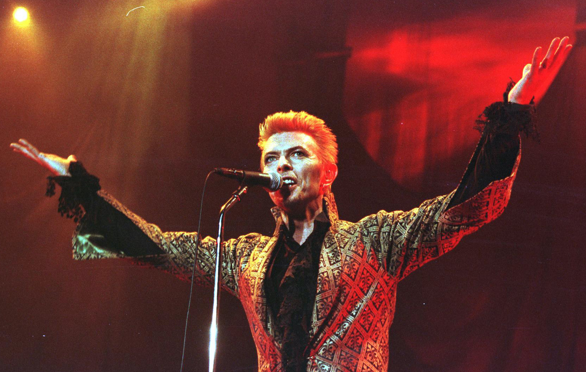 Happy Birthday Bowie Relive His Most Awesome Party Attended By Smashing Pumpkins Foo Fighters And More