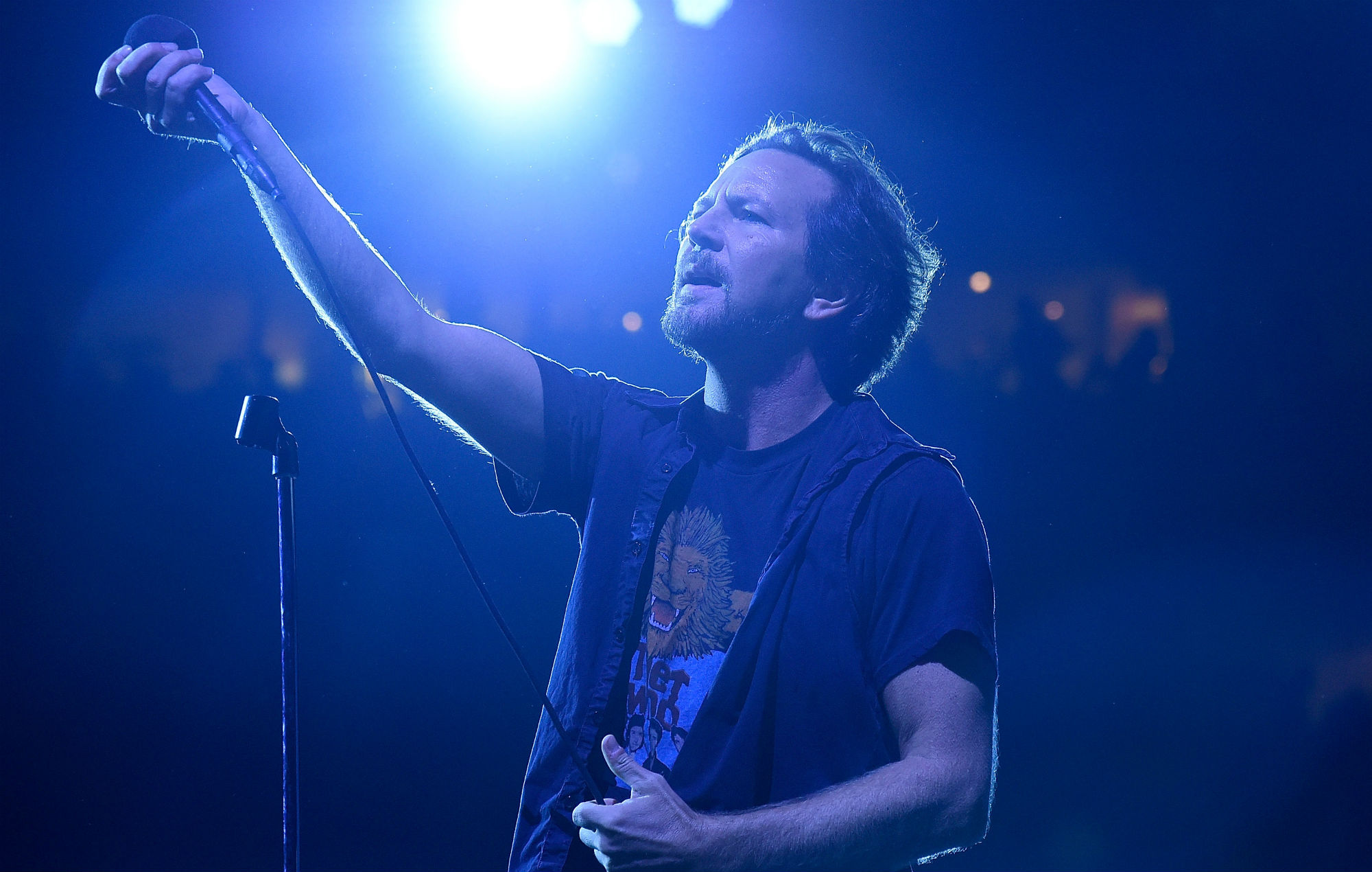 Listen to a preview of Pearl Jam's new single 'Superblood Wolfmoon' by pointing your phone at the moon