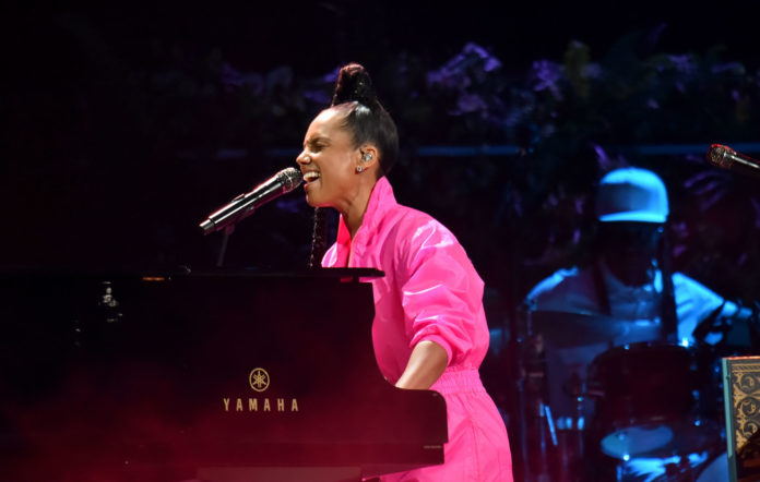 Alicia Keys performs onstage during the 20th annual Latin GRAMMY Awards