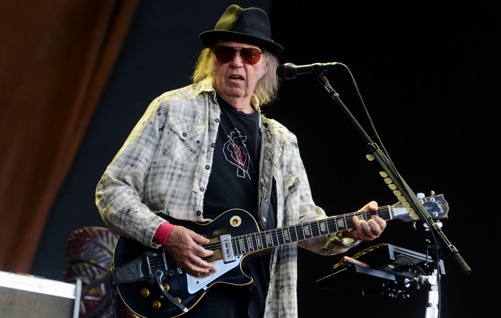 Neil Young gets US citizenship in time to vote against Donald Trump
